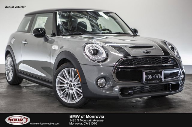 2016 MINI Cooper Hardtop S Moonwalk Gray MetallicBlack Pearl V4 20 L Automatic 0 miles  Turbo