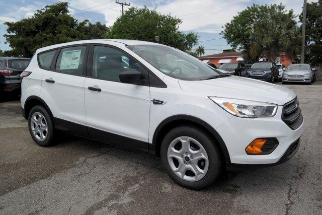 2017 Ford Escape S Oxford WhiteCharcoal Black V4 25 L Automatic 10553 miles 2017 Ford Escape