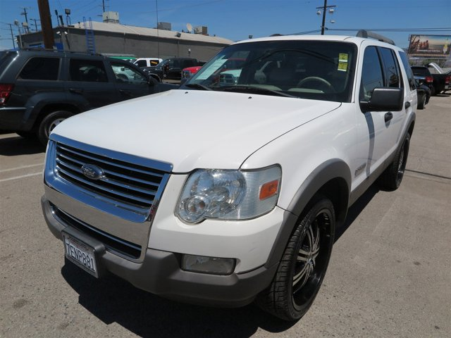 2006 Ford Explorer XLT Oxford WhiteWHITE V6 40L Automatic 115016 miles Deal PendingChoose