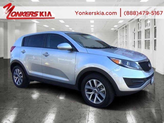 2015 Kia Sportage LX Clear WhiteAlpine Gray V4 24 L Automatic 15493 miles Lavishly luxurious
