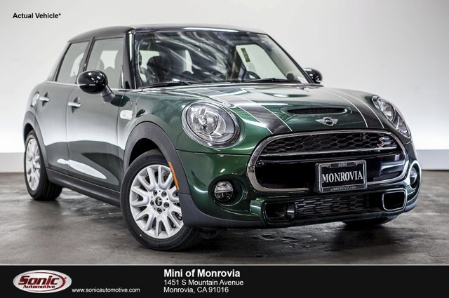 2016 MINI Cooper Hardtop 4 Door S British Racing Green MetallicCarbon Black V4 20 L Automatic