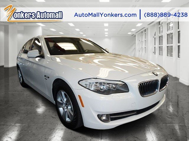 2012 BMW 5 Series 528i xDrive Alpine WhiteBlack V4 20L Automatic 43327 miles 1 wner clean ca
