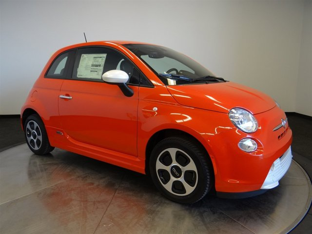 2017 FIAT 500e Electric Orange Tri-Coat PearlcoatE7XX V 00 Automatic 2 miles  2EJ E99 DAC PF3