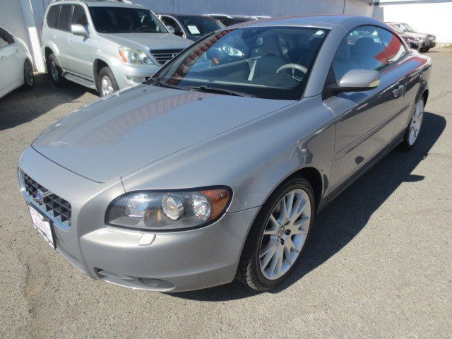 2006 Volvo C70 Convertible Flint Gray MetallicQuartz V5 25L Automatic 59948 miles This 2006 Vo