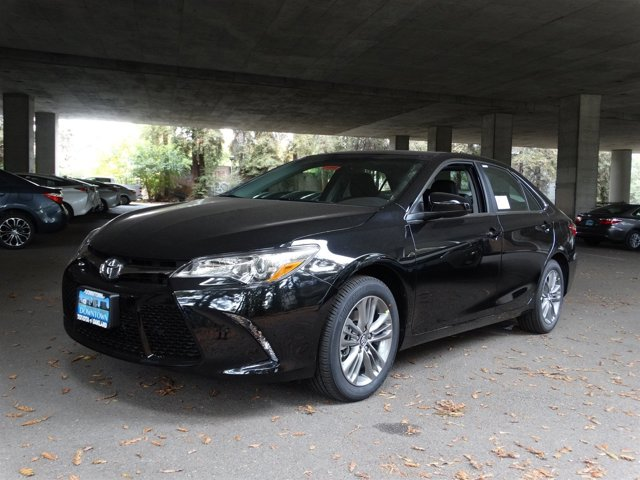 2016 Toyota Camry SE Midnight Black Metallic V4 25 L Automatic 5085 miles  Front Wheel Drive