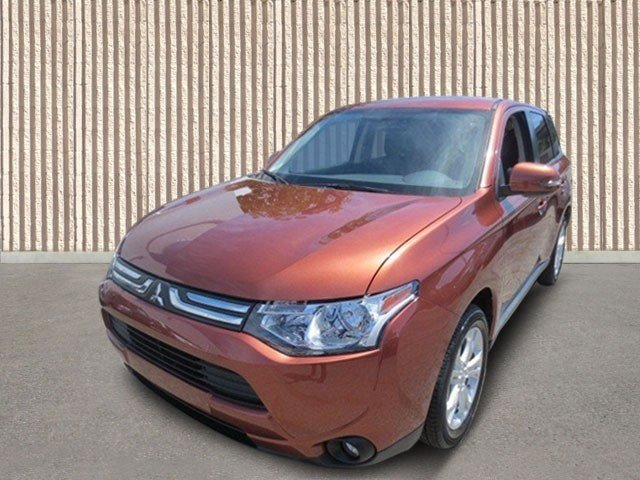 2014 Mitsubishi Outlander SE CopperBlack V4 24L Automatic 5 miles They are Here The ALL NEW 2