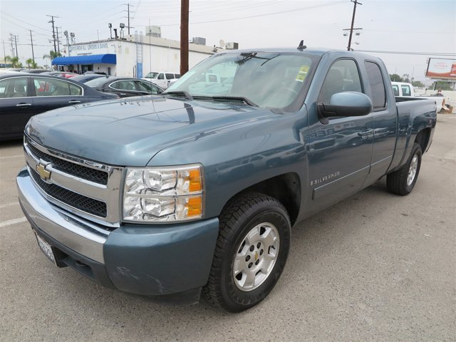 2008 Chevrolet Silverado 1500 Blue V8 53L Automatic 92672 miles Deal PendingChoose from ou