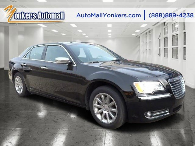 2014 Chrysler 300 300C Phantom Black Tri-Coat PearlBlack V6 36 L Automatic 25484 miles 1 owne