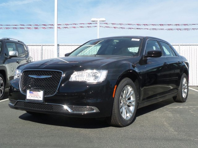 2017 Chrysler 300 Limited Gloss BlackBlack V6 36 L Automatic 0 miles  BLACK LEATHER TRIMMED BU