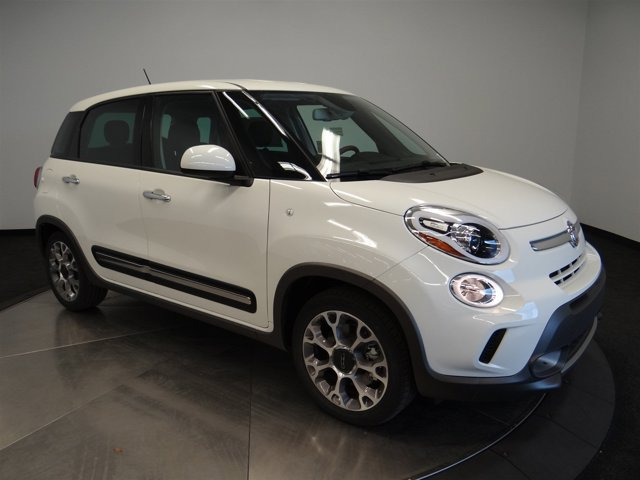 2016 FIAT 500L Trekking Bianco WhiteD7D5 V4 14 L Automatic 0 miles Buy it Try it Love it