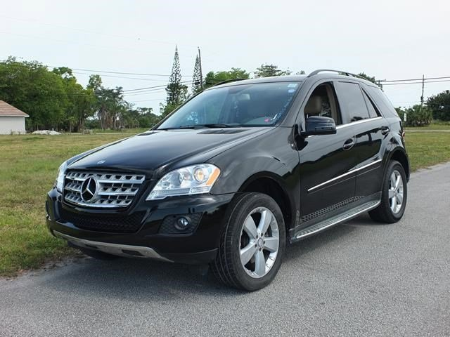 2011 Mercedes M-Class ML350 Black V6 35L Automatic 101371 miles Delivers 20 Highway MPG and 1
