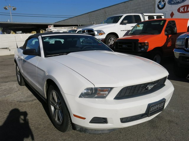 2012 Ford Mustang V6 Performance White V6 37L Automatic 72766 miles Choose from our wide rang