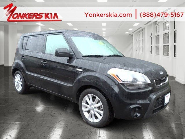 2013 Kia Soul Base BlackBlack seat trim V4 16L Automatic 22631 miles  AUTO-DIMMING REARVIEW MI