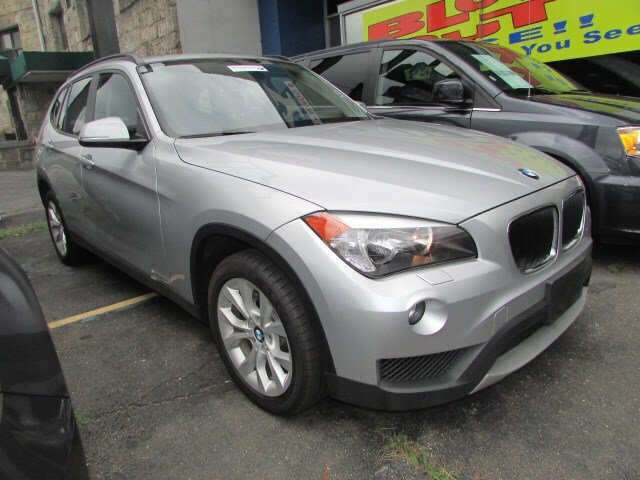 2013 BMW X1 xDrive28i Mineral Grey MetallicBlack V4 20L Automatic 28553 miles  Panoramic Roof