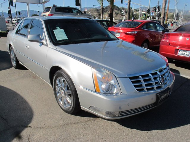 2008 Cadillac DTS w1SC Silver V8 46L Automatic 88586 miles Deal PendingChoose from our wi