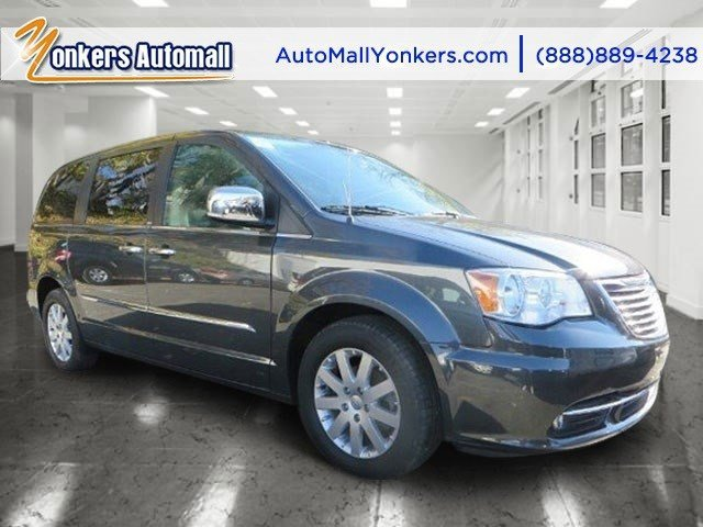 2011 Chrysler Town  Country Touring-L  V6 36L Automatic 46015 miles 1 owner clean carfax T