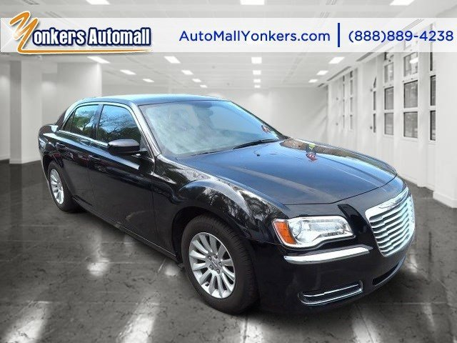 2014 Chrysler 300 Gloss BlackBlack V6 36 L Automatic 30257 miles  Alloy Wheels  Bluetooth