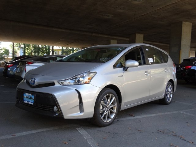 2017 Toyota Prius v Five Classic Silver Metallic V4 18 L Variable 1 miles  Front Wheel Drive