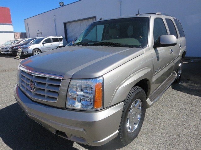 2003 Cadillac Escalade Silver SandShale V8 60L Automatic 95992 miles Local Trade Low Miles Fo