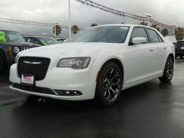 2017 Chrysler 300 300S Bright White ClearcoatSmokeBlack V6 36 L Automatic 0 miles  BRIGHT WHI