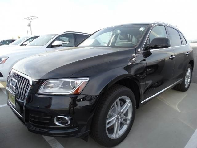 2015 Audi Q5 Premium Plus Mythos Black MetallicBLACK LEATHER V6 30 L Automatic 21 miles  Turb