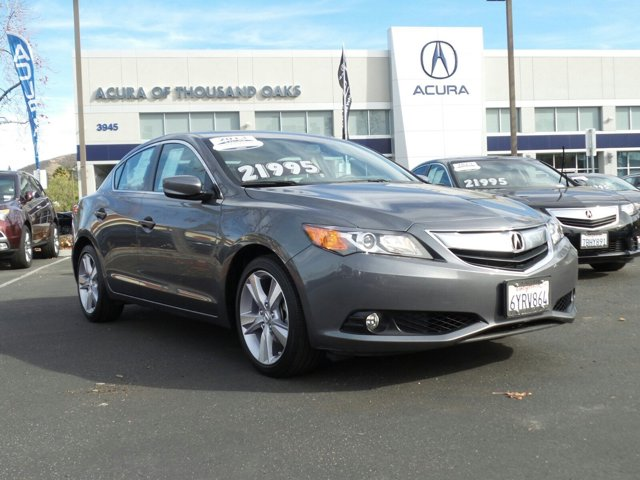 2013 Acura ILX Technology Package Polished Metal Metallic V4 20L Automatic 12333 miles ACU