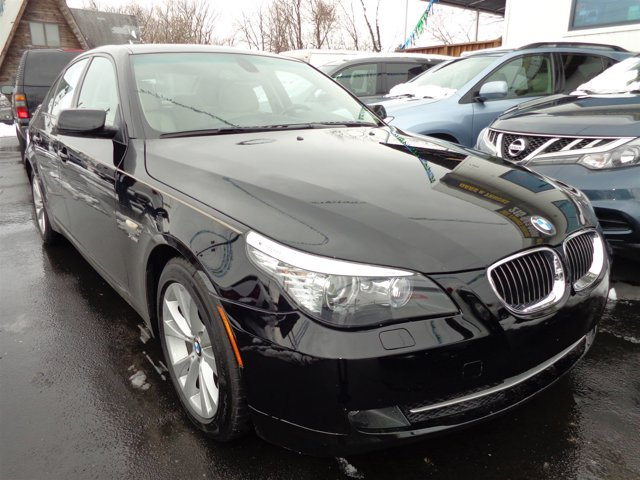 2009 BMW 5 Series 535i xDrive Jet BlackCream Beige V6 30L Automatic 82863 miles  Turbocharged
