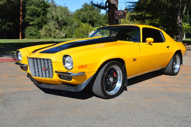 1973 Chevrolet Camaro Z28 LT-1 Tremec 4 Wheel Disc Ult Daytona YellowBlack V  Manual 4565 mil