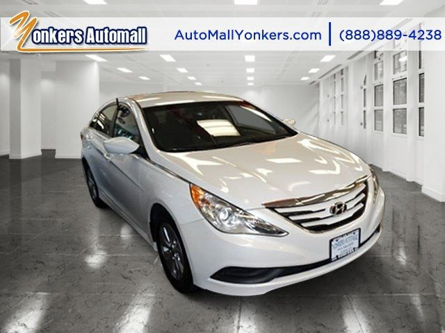 2014 Hyundai Sonata GLS Pearl WhiteGray V4 24 L Automatic 40508 miles Bluetooth and satellite