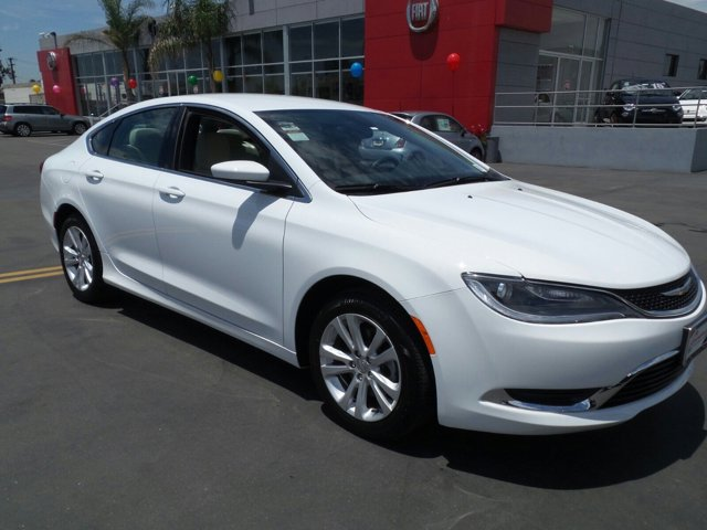2015 Chrysler 200 Limited WhiteTan V4 24 L Automatic 902 miles  Front Wheel Drive  Power Ste