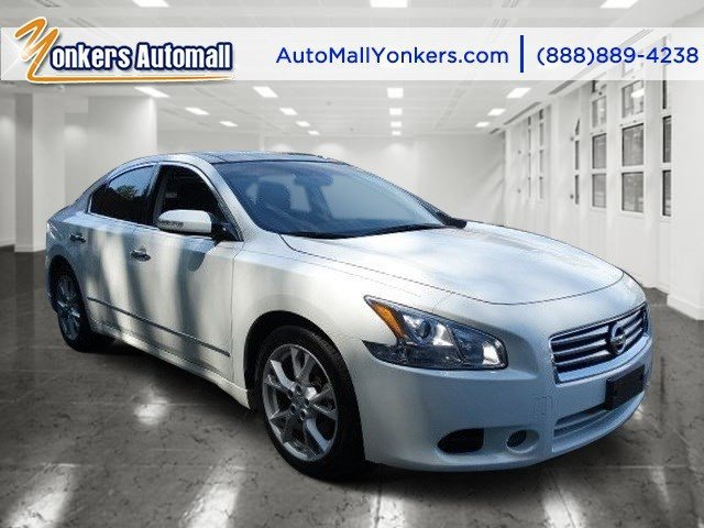 2013 Nissan Maxima 35 SV wPremium Pkg Pearl WhiteCharcoal V6 35L Variable 21296 miles 1 own