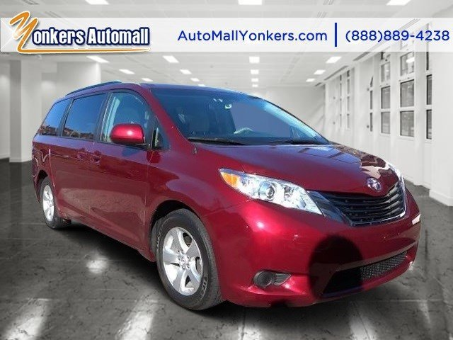 2014 Toyota Sienna LE Salsa Red PearlBisque V6 35 L Automatic 31075 miles 1 owner clean carf