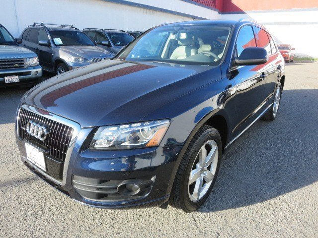 2010 Audi Q5 Premium Plus Deep Sea Blue MetallicLight Gray V6 32L Automatic 89158 miles 1-OWNE