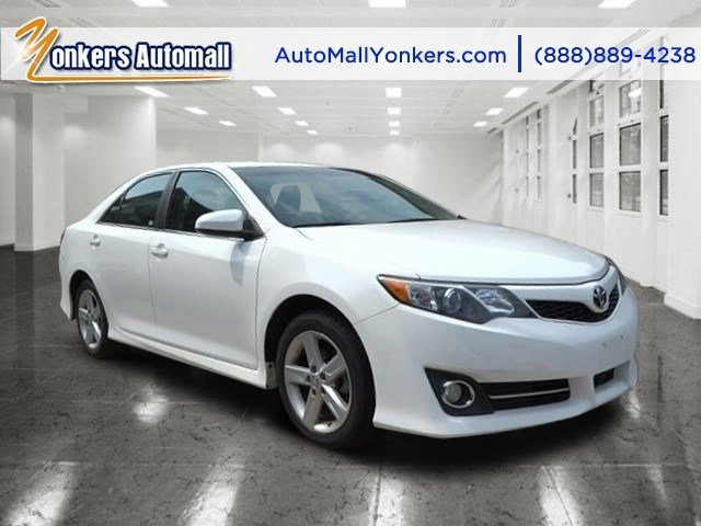 2014 Toyota Camry L Super WhiteBlackAsh 2-Tone V4 25 L Automatic 38134 miles 1 owner clean