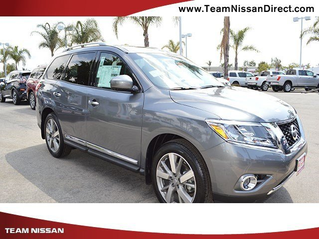 2017 Nissan Pathfinder Platinum Gun MetallicCharcoal V6 35 L Variable 0 miles  Front Wheel Dr