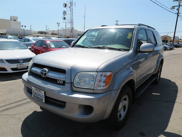 2005 Toyota Sequoia SR5 Phantom Gray Pearl V8 47L Automatic 115673 miles Choose from our wide