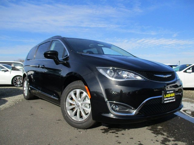 2017 Chrysler Pacifica Touring-L Brilliant Black Crystal PearlcoatBlackAlloy V6 36 L Automatic