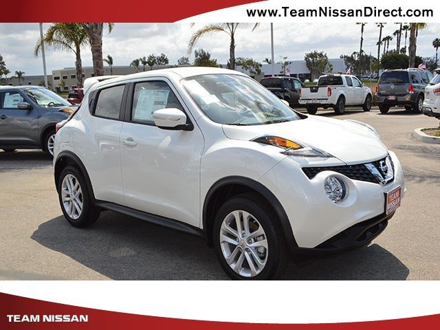 2017 Nissan JUKE S Pearl WhiteBlack V4 16 L Variable 0 miles  Turbocharged  Front Wheel Driv