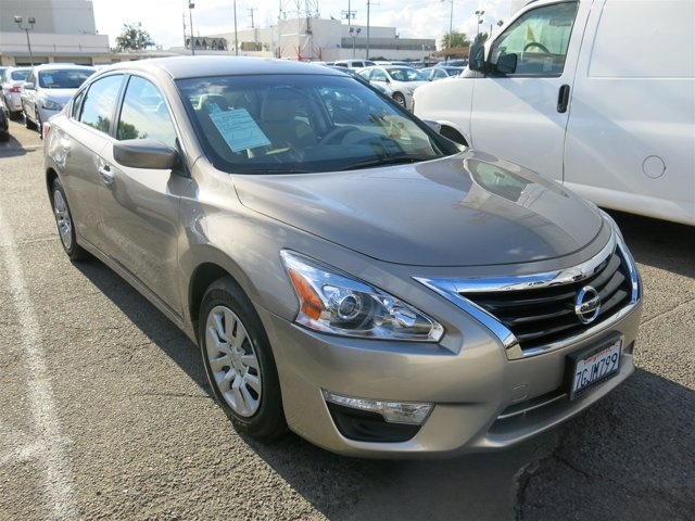 2015 Nissan Altima Gun Metallic V4 25 L Variable 14945 miles Deal PendingChoose from our w