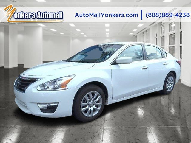 2015 Nissan Altima 25 S Solid WhiteCharcoal V4 25 L Variable 26240 miles Calling all enthusi