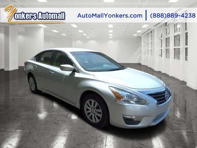 2015 Nissan Altima 25 S Brilliant SilverCharcoal V4 25 L Variable 29746 miles  Rearview Came