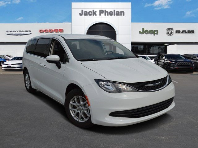 2017 Chrysler Pacifica Touring Bright White Clearcoat V6 36 L Automatic 0 miles  Front Wheel