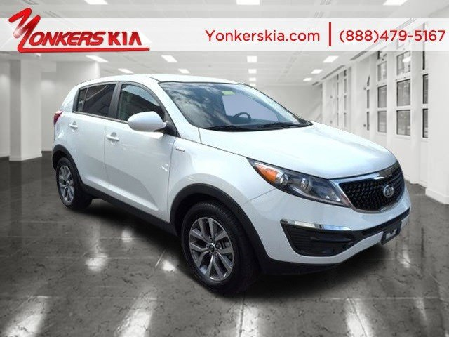 2015 Kia Sportage LX Clear WhiteBlack V4 24 L Automatic 6881 miles Yonkers Kia is the largest