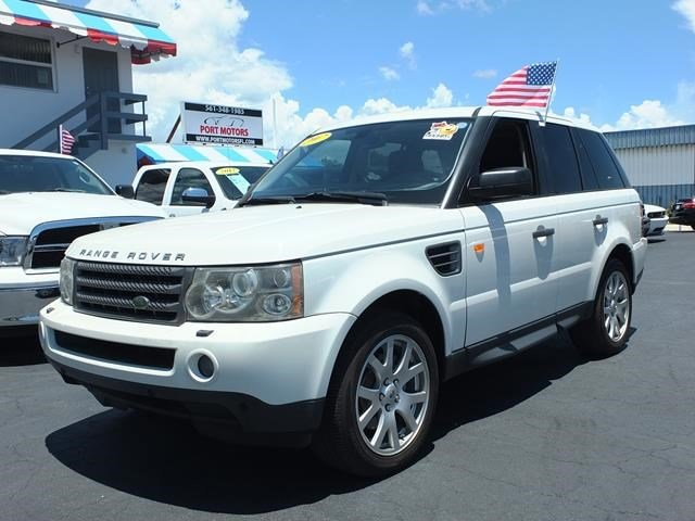 2007 Land Rover Range Rover Sport HSE White V8 44L Automatic 79601 miles This Land Rover Rang