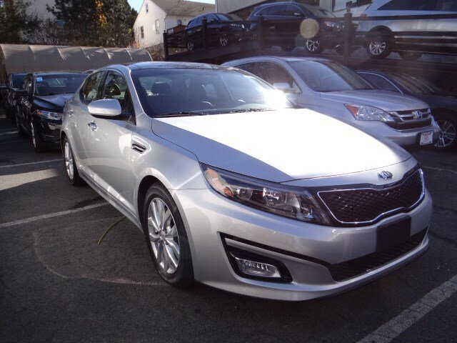 2015 Kia Optima EX Bright SilverBlack V4 24 L Automatic 6952 miles Lavishly luxurious this 20