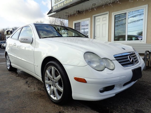 2002 Mercedes C-Class Alabaster WhiteCharcoal V6 23L Automatic 141761 miles  Supercharged  R