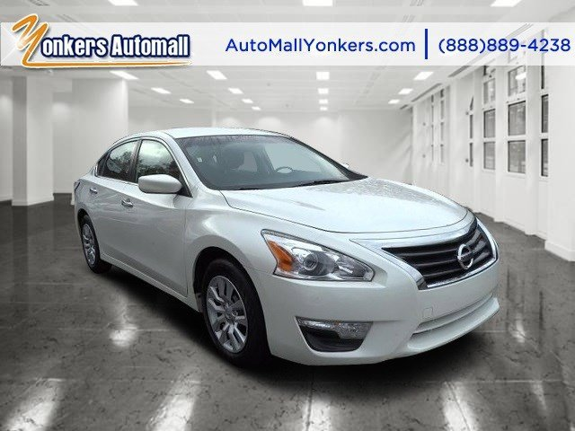 2014 Nissan Altima 25 S Pearl WhiteCharcoal V4 25 L Automatic 44645 miles Yonkers Auto Mall