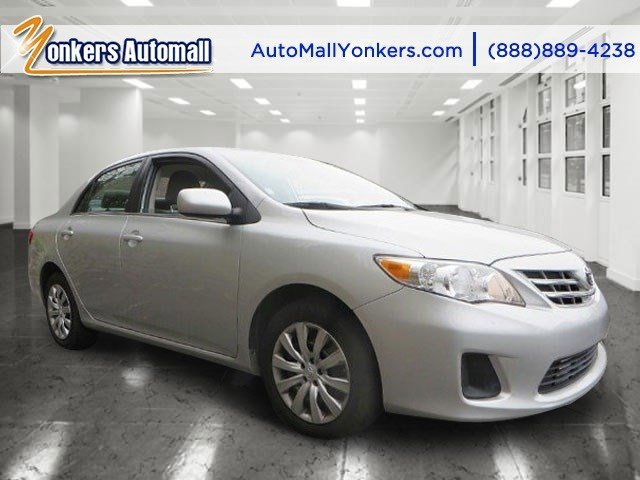 2013 Toyota Corolla LE SilverTan V4 18L Automatic 39146 miles 1 owner clean carfax Mint con