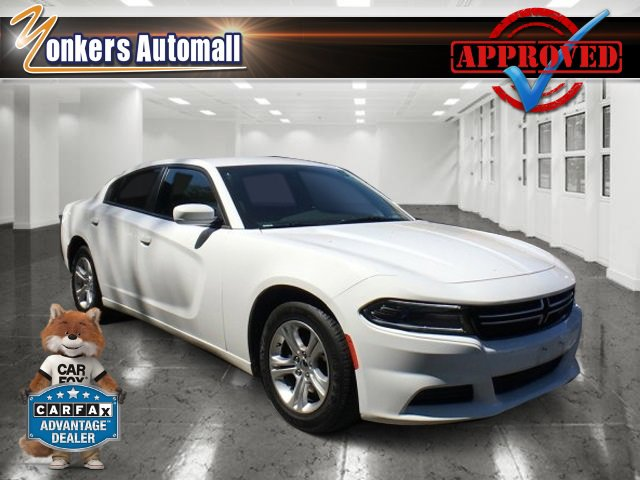 2015 Dodge Charger SE Bright White ClearcoatBlack V6 36 L Automatic 45808 miles Come see this