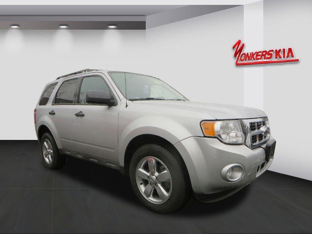 2012 Ford Escape XLT Ingot Silver MetallicCharcoal Black V4 25L Automatic 17738 miles Innovati